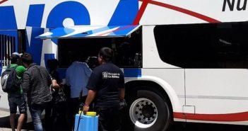 010- Fumigan bauleras de transportes en terminal San Justo-1