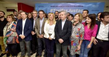 Katopodis junto a Magario, Solá, Gray, Baradel, Yasky, Rossi y Grosso entre otros presentes