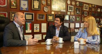 Mario Secco recibió a Fernando Espinoza y Verónica Magario en la municipalidad de Ensenadajpg