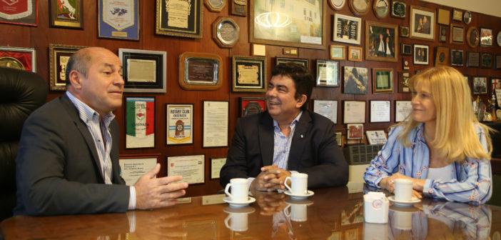 ENSENADA: MAGARIO Y ESPINOZA, DE RECORRIDA