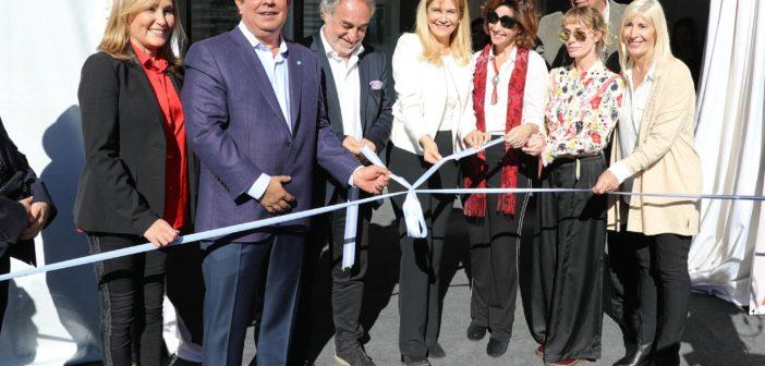 076-VM-En La Matanza se inauguro muestra sobra Ana Frank3