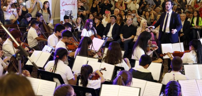 193-CE.10 años Orquesta Escuela y Coro de Niños 1 (1)