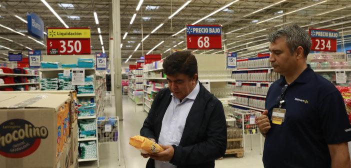 Espinoza salió a supervisar precios y abastecimiento en La Matanza 1