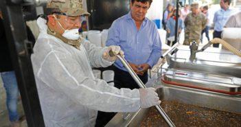 116-FE.Espinoza visitó centro de preparación de alimentos 3
